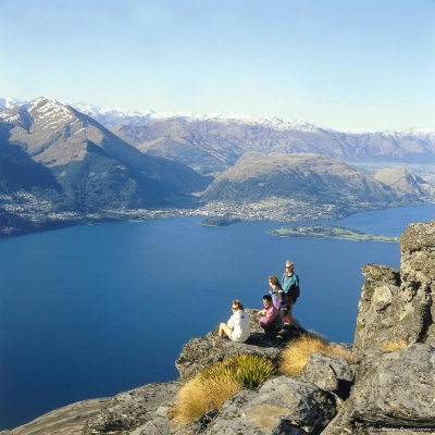 Queenstown views TNZ for KiwiCombo 10 Days New Zealand Essential Sights
